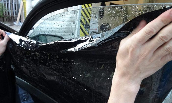 Как клеить тонировку на авто своими руками 64
