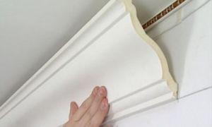 Как наклеить декоративные панели на стену (видео)