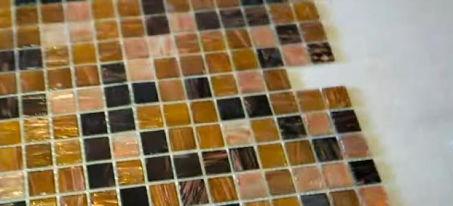 Каким клеем клеить мозаичную плитку