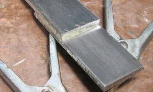 Как и каким клеем клеить металл
