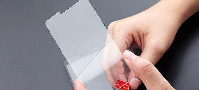 Как самостоятельно клеить стекло на телефон (видео)