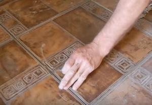 Чистим плитку