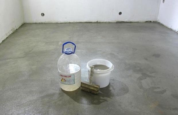 Использование силикатного клей для пола