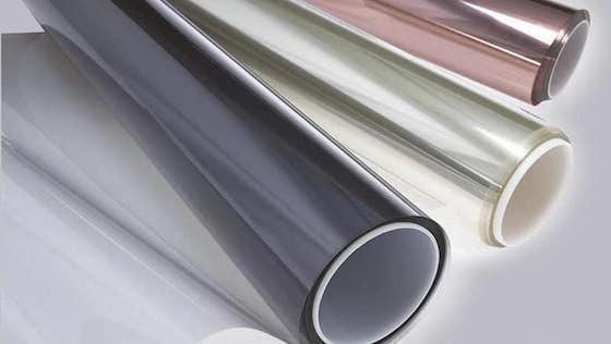 Тонировочный материал бывает в виде рулона